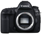 キヤノンの高級一眼レフカメラ「EOS 5D Mark IV ボディ」。